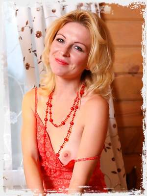 Blond MILF Yara has decided to become naughty and got naked