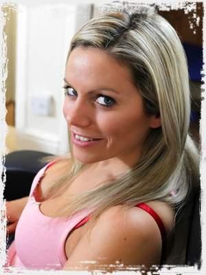 Kate Banks (Izzy)