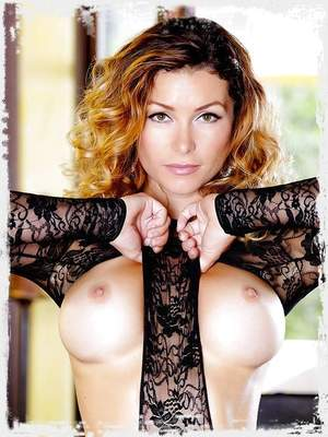 Heather Vandeven fondles her beautiful breasts and ass